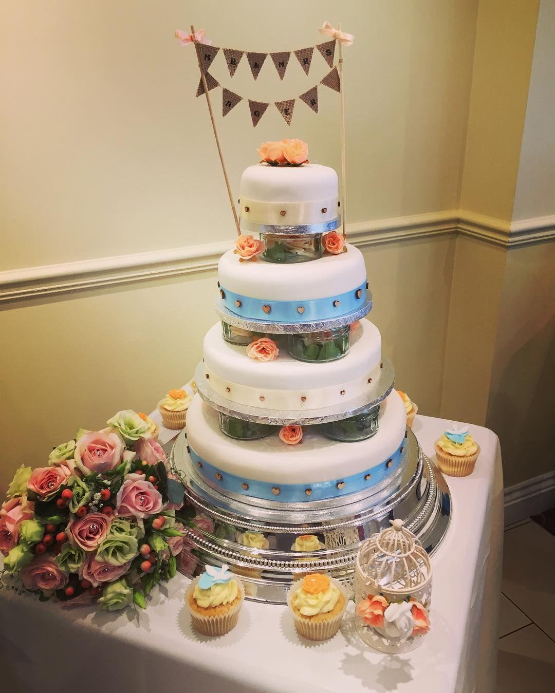Bootfiful night. #mrandmrsager #wedding #cake