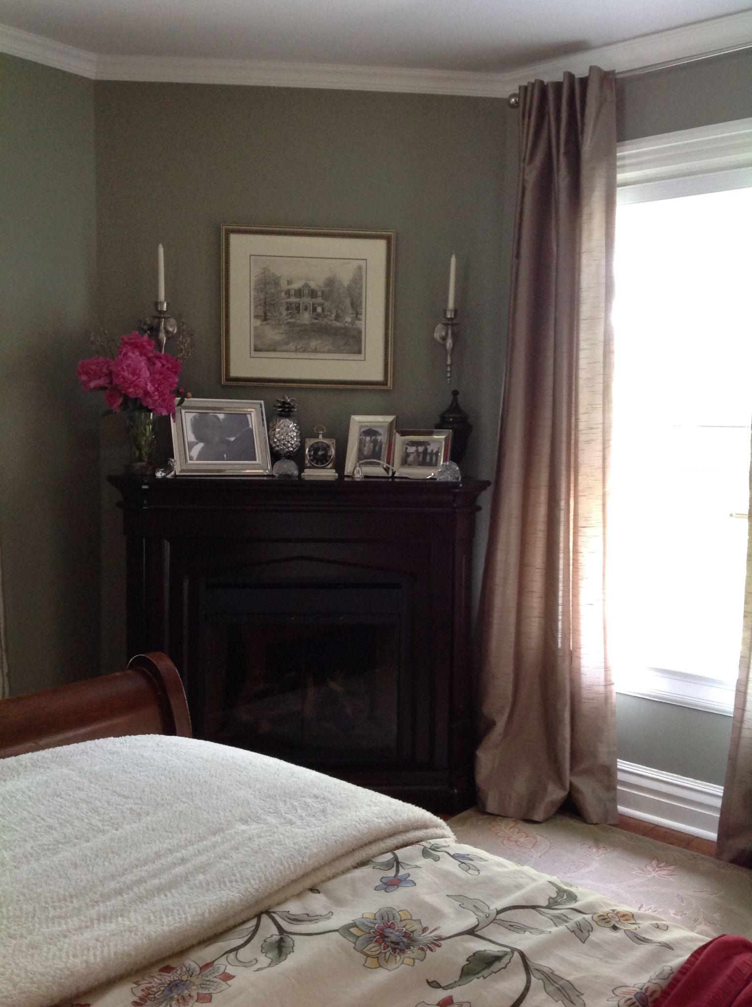 b moore creekside green 2141 40 warm grey green benjamin moore paint colour bedroom green. Black Bedroom Furniture Sets. Home Design Ideas