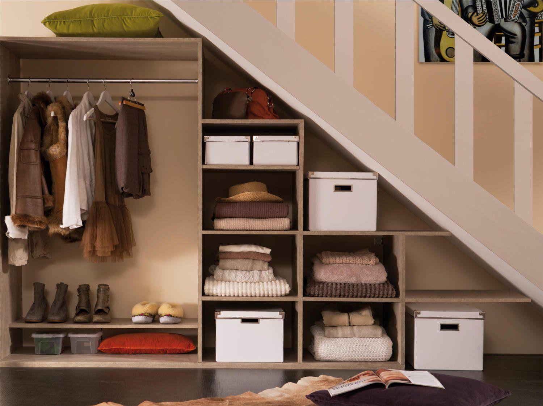 Creer Un Meuble Sous Escalier comment créer un dressing sous un escalier ? | meuble sous