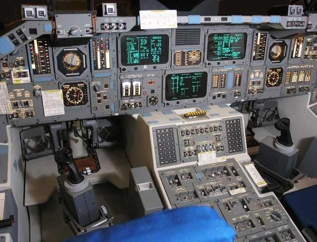 US Spacecraft Cockpits | Spacecraft, Nasa, Music instruments