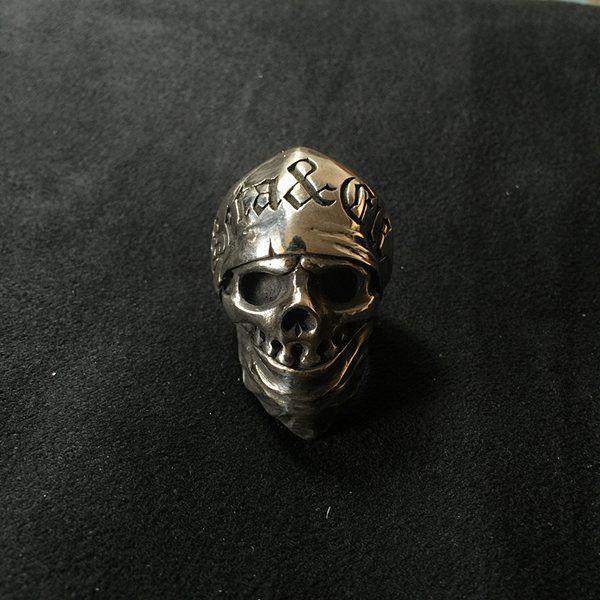 personalized handmade sterling silver rings. #sliver #silverwork #silverjewelry  #sterlingsilver #silverwork #silversmithlife #silverring #silversmith #jewelrydesigner #handmade #skulls #fashion #friends #smile #instamood #family #amazing #style #funny #instacool #awesome #nice #all_shots #beauty #sweet #goodtimes #jewelry #RavenStudio