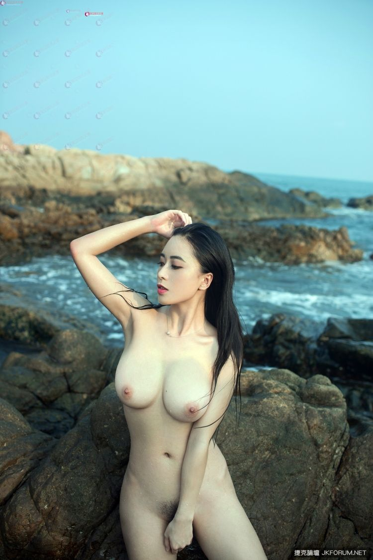 China girls nude beach, naked highheeled women