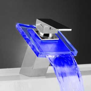 Led Water Faucet Changes With The Water Temp Blue Cold Water Red Hot Water Badkamer Inspiratie Douches Interieur