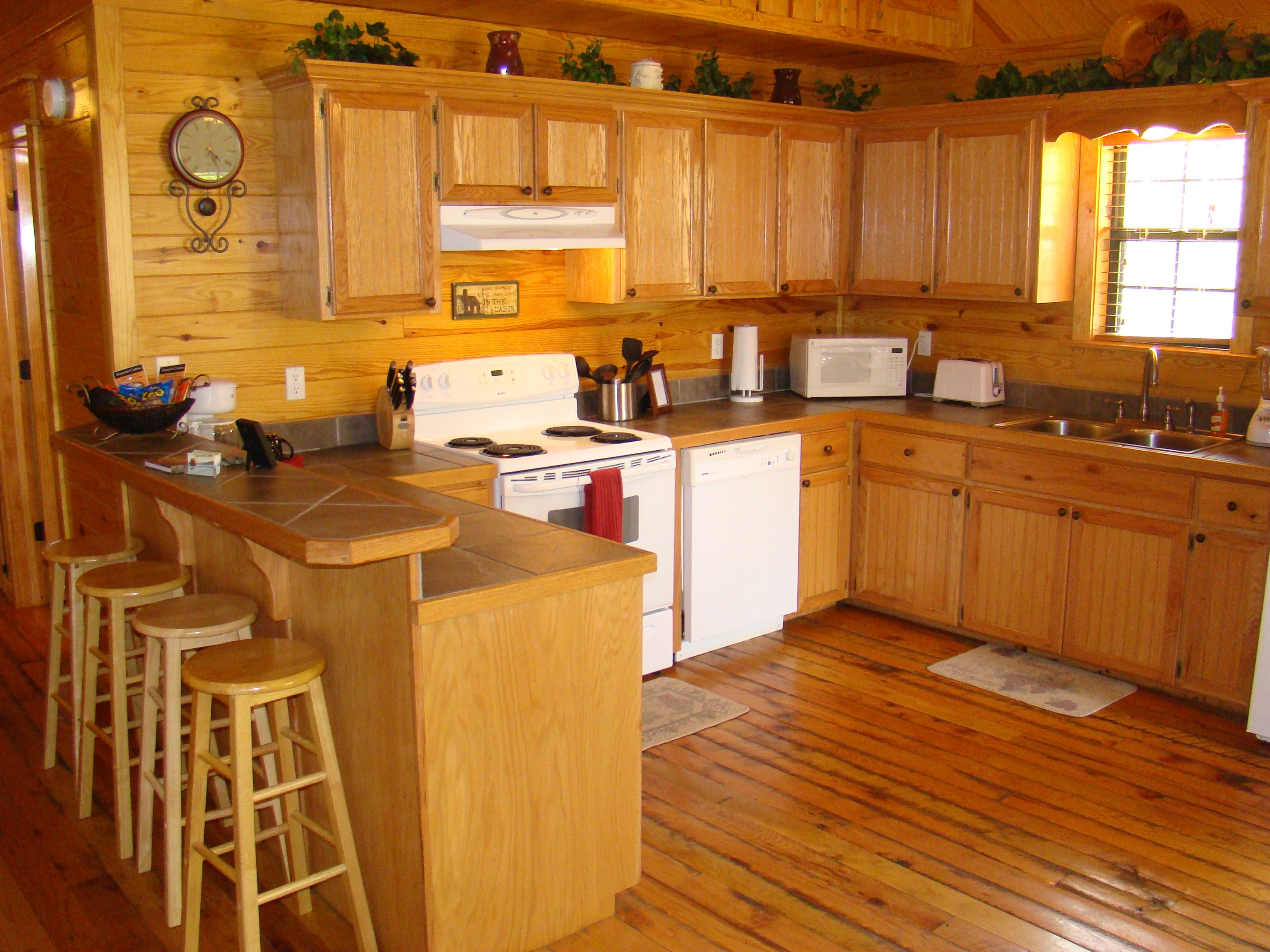 Kitchen plenty of space fully equipped southern spirit cabin