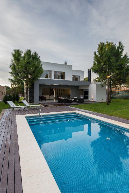 Pool Designs Casa Diseñada Por Los Arquitectos Martín Distéfano Y Griselda Rodríguez Sobre El Lote De Un