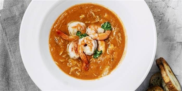 Valerie Bertinelli adds coconut milk and lemon to spicy shrimp soup