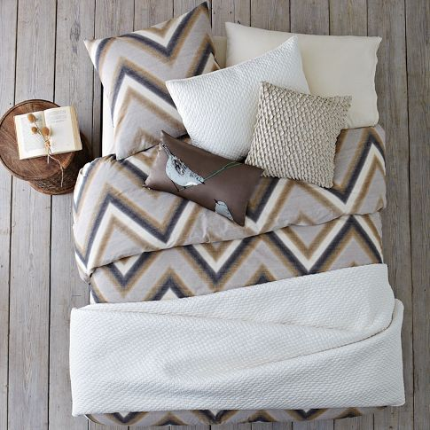 Guestroom 1: Mix & Match bedding: Layered Bed Looks - Neutral Zigzag | west elm