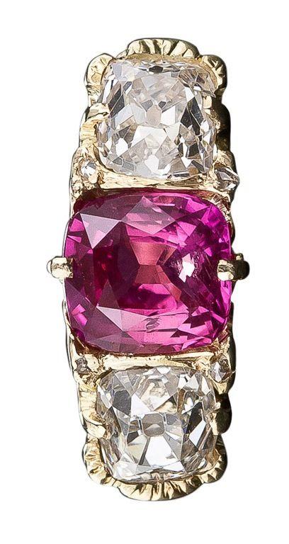 5ed227960f36 English Pink Sapphire and Diamond Three-Stone Ring Gemas