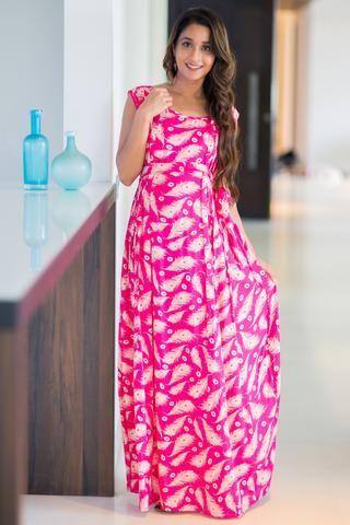782d7eb7f0d52 Fuchsia Feather Maternity & Nursing Maxi Dress Exclusive Stripe Vogue  Sleeveless Maternity & Nursing Maxi Dress #maternityfashion #nursingwear # momzjoy ...
