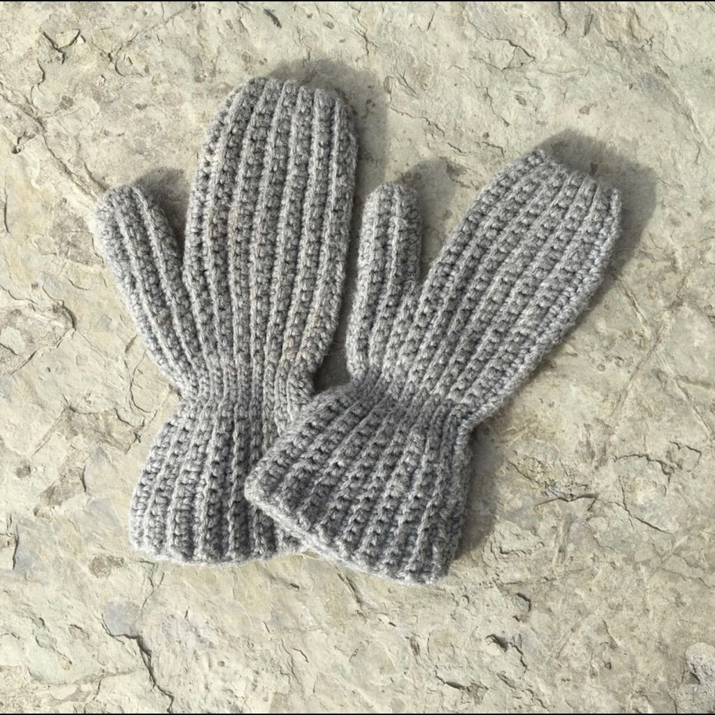 Cozy Cable Knit Gray Mittens