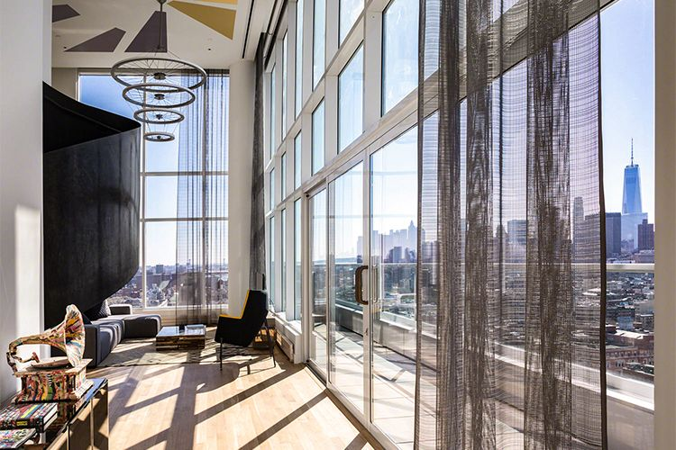 Best Bachelor Party Hotel Suites In Downtown New York City Luxury Hotels Lobby Luxury Hotel Oceanfront Cottage