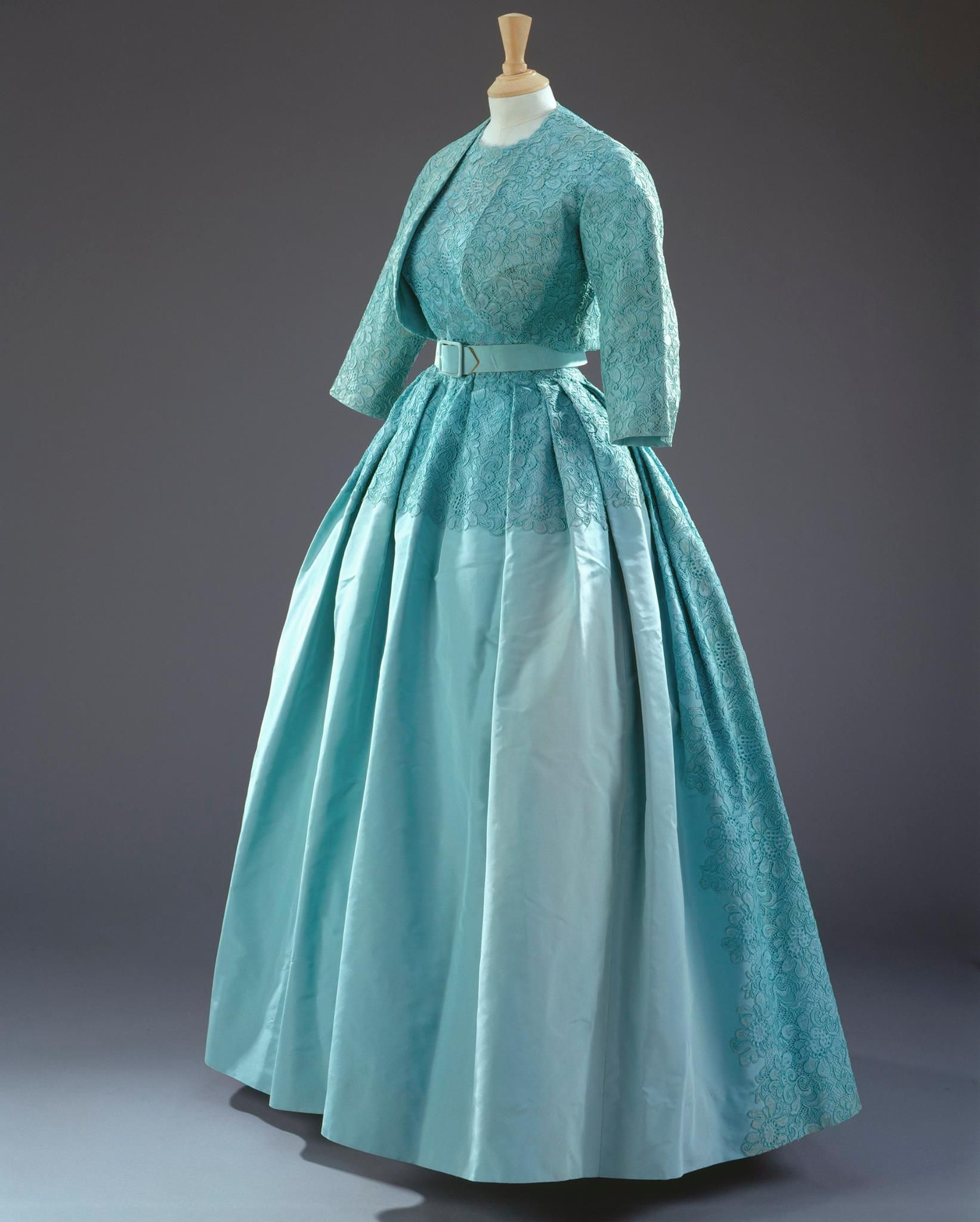 Queen elizabeth green dress  Norman Hartnell turquoiseblue dress with a matching bolero jacket