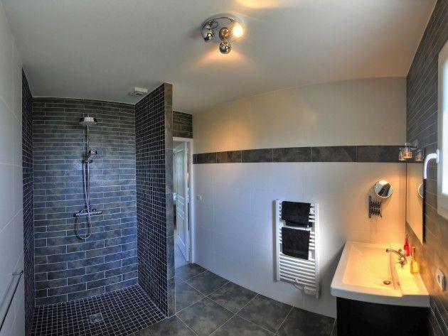 Résultats de recherche d'images pour «salle de bain contemporaine grise»