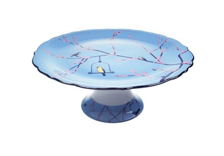 Our New Cake Stands are so pretty! Display any cake on this for maximum impact.