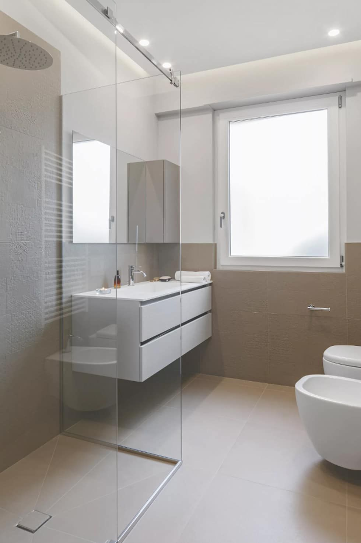 Casa_v bagno moderno di salvatore cannito architetto