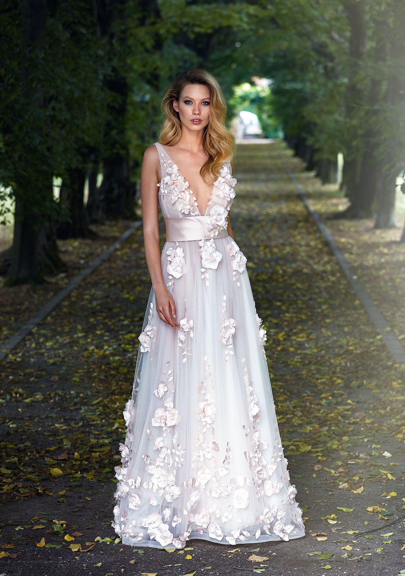 Abiti Da Sposa Fiori.Splendido Abito Da Sposa Haute Couture In Tulle Con Applicazioni