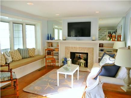 Beach Rental Decor Barnstable Village Cape Cod Vacation Rental Inviting Beach Decor And