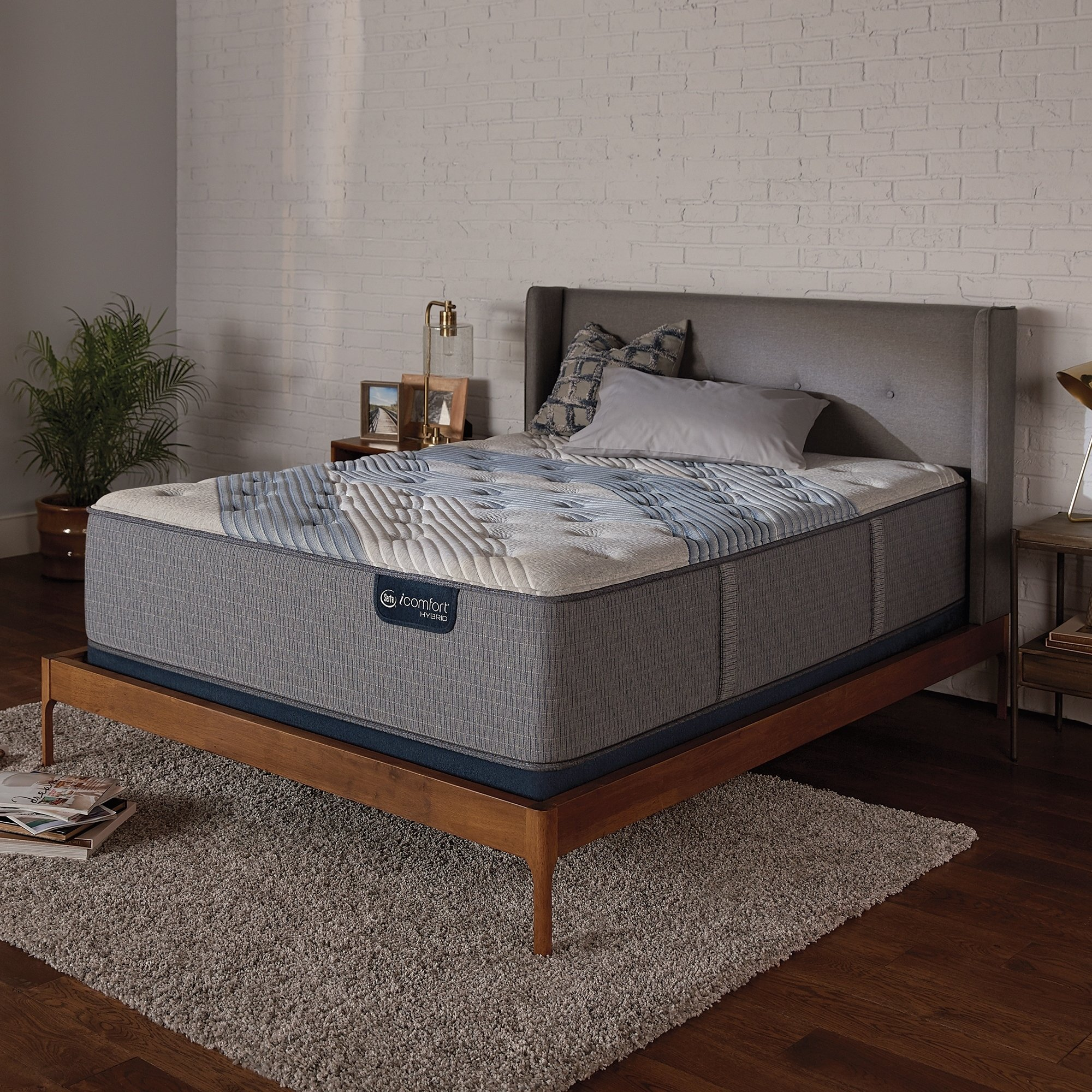Serta Icomfort Hybrid Blue Fusion 1000 14 Inch Luxury Firm King