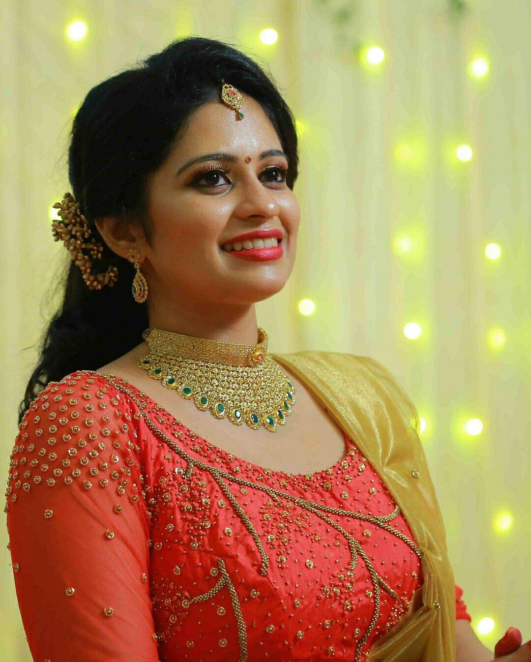 Reception Wedding Gown Models In Kerala | wedding