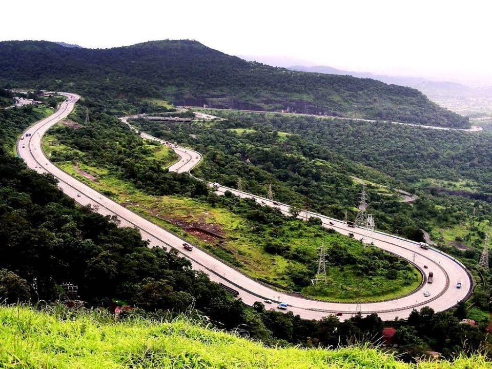 Mumbai express highway a stereotypical sprint to pune