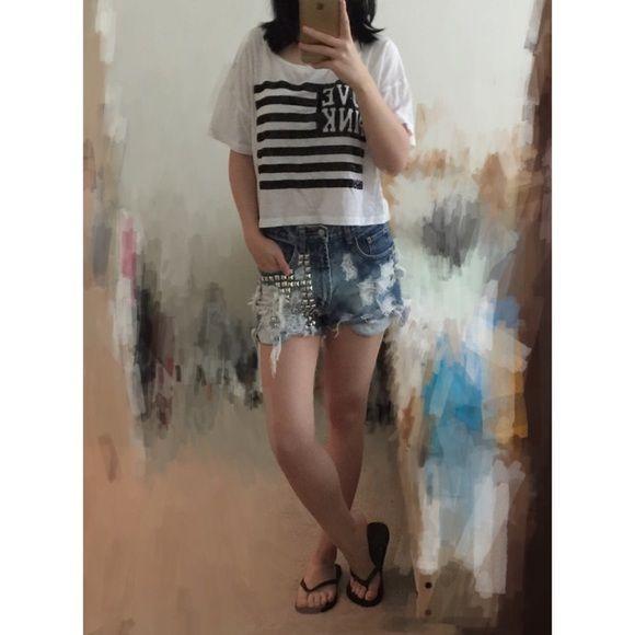 Victoria's Secret black sequin flag crop t-shirt worn once,❌NO TRADE‼️ PINK Victoria's Secret Tops Tees - Short Sleeve