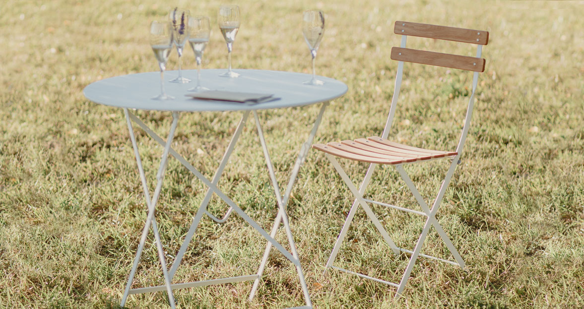 Fermob Bistro-pöytä ja -tuoli | Pieniin tiloihin ...