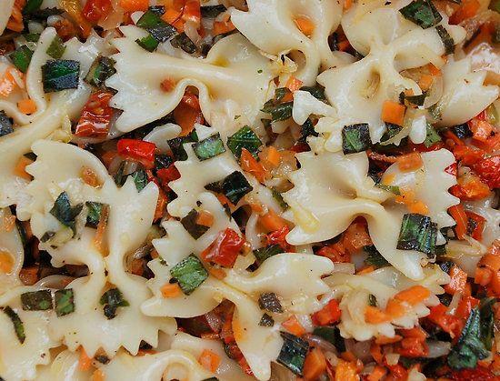 Una pasta por semana. Semana y receta 31 Una receta de pasta con verduras que se puede comer  en caliente y tambien fria como ensalada.