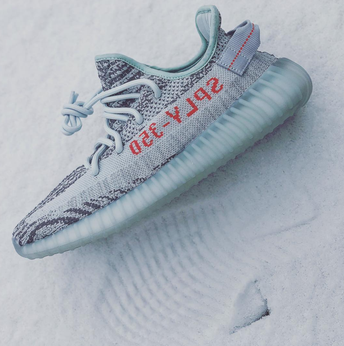 012b4d05a1b8e Watch out for fake Adidas Yeezy Boost 350 v2 Blue Tints