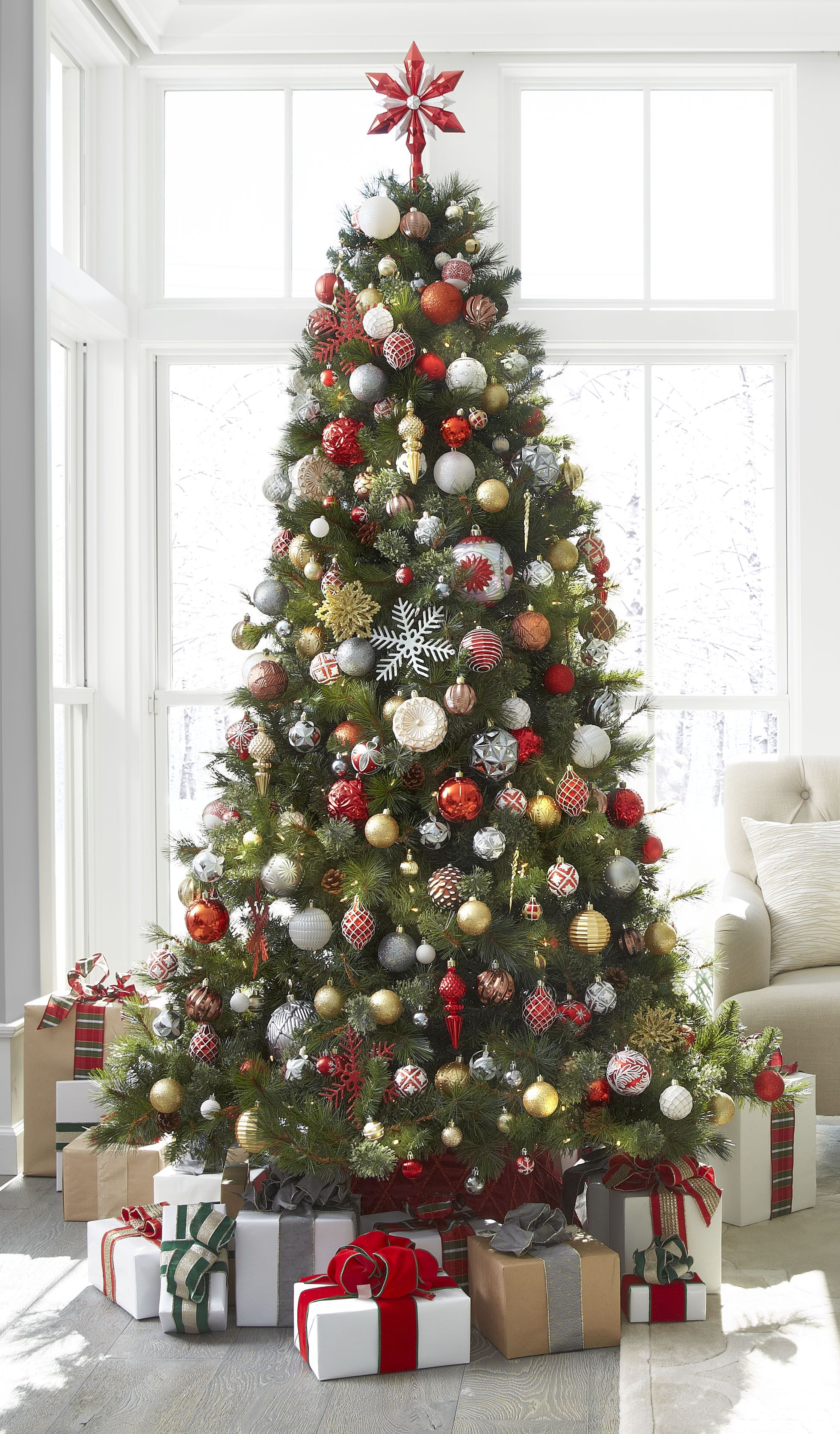 Here S What The Martha Stewart Editors Are Gifting Christmas Decorations Christmas Tree Decorations Merry Christmas Decoration
