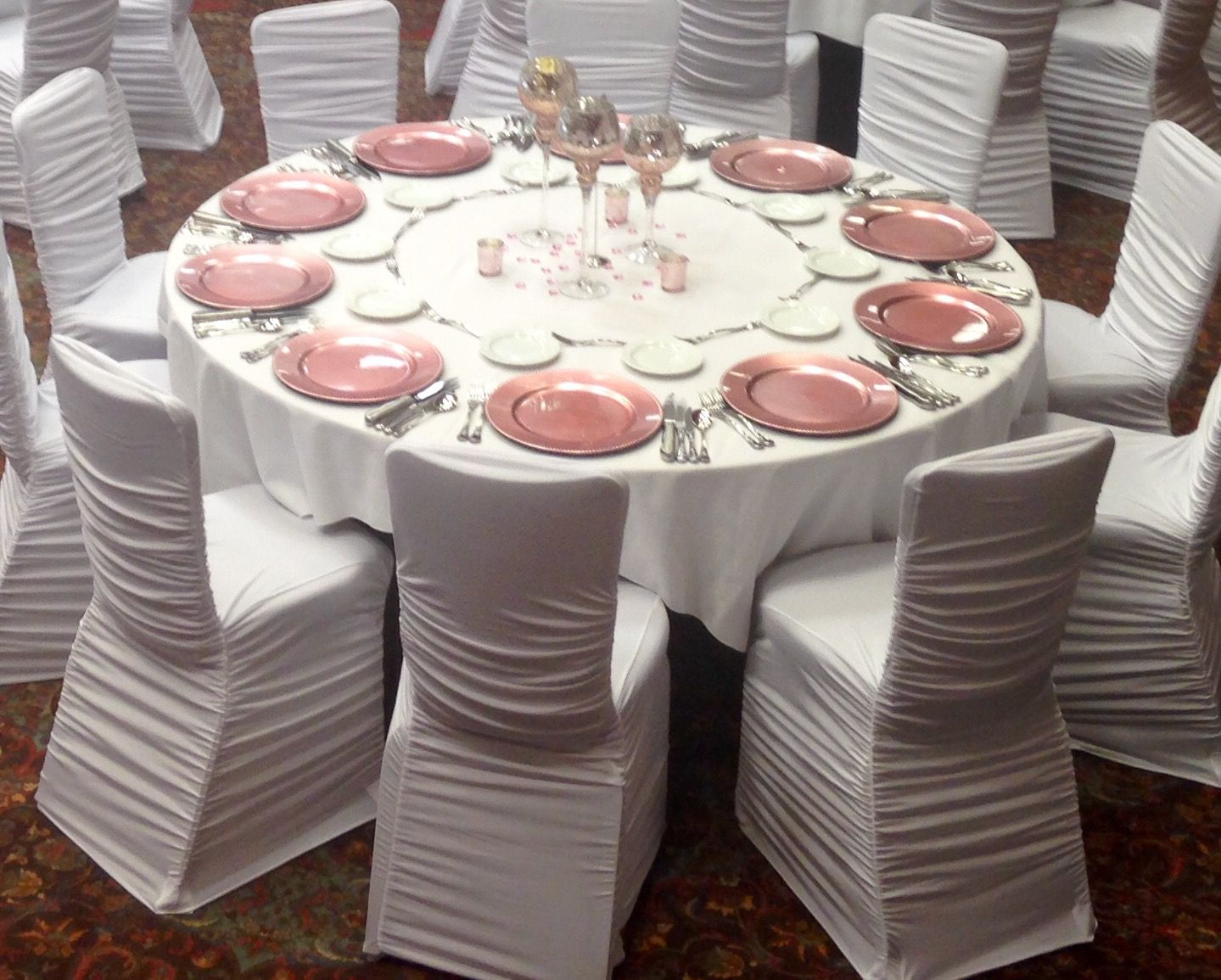 Complete table setting with centerpiece plate chargers and ruched spandex chair covers & Complete table setting with centerpiece plate chargers and ruched ...
