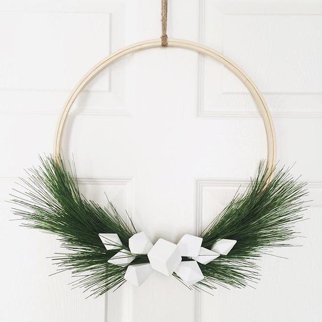 Ig Vee Zel Pinterest Inspired Scandinavian Style Diy Wreath Sewing Hoop Holiday Minimalistisch Weihnachten Moderne Weihnachten Turkranz Weihnachten