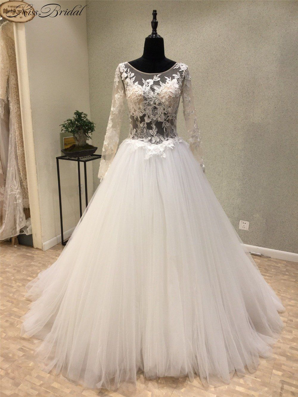 Sexy new long wedding dress long sleeves chapel train appliques