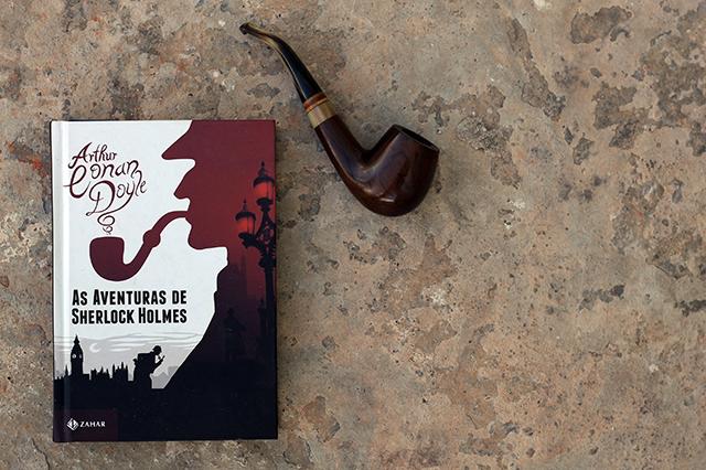 """""""As Aventuras de Sherlock Holmes"""" é um livro para conhecer Sherlock Holmes."""