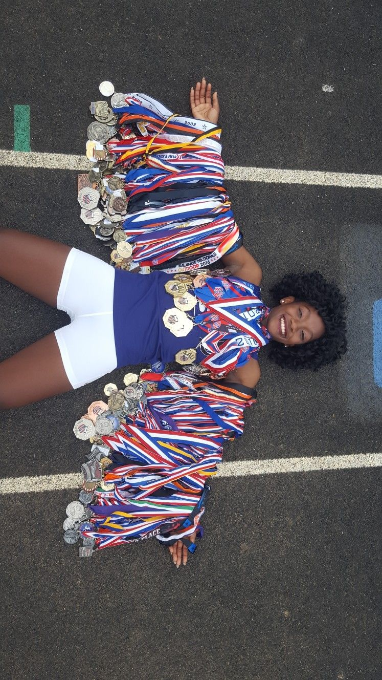 Pin On Senior Portraits Track And Field