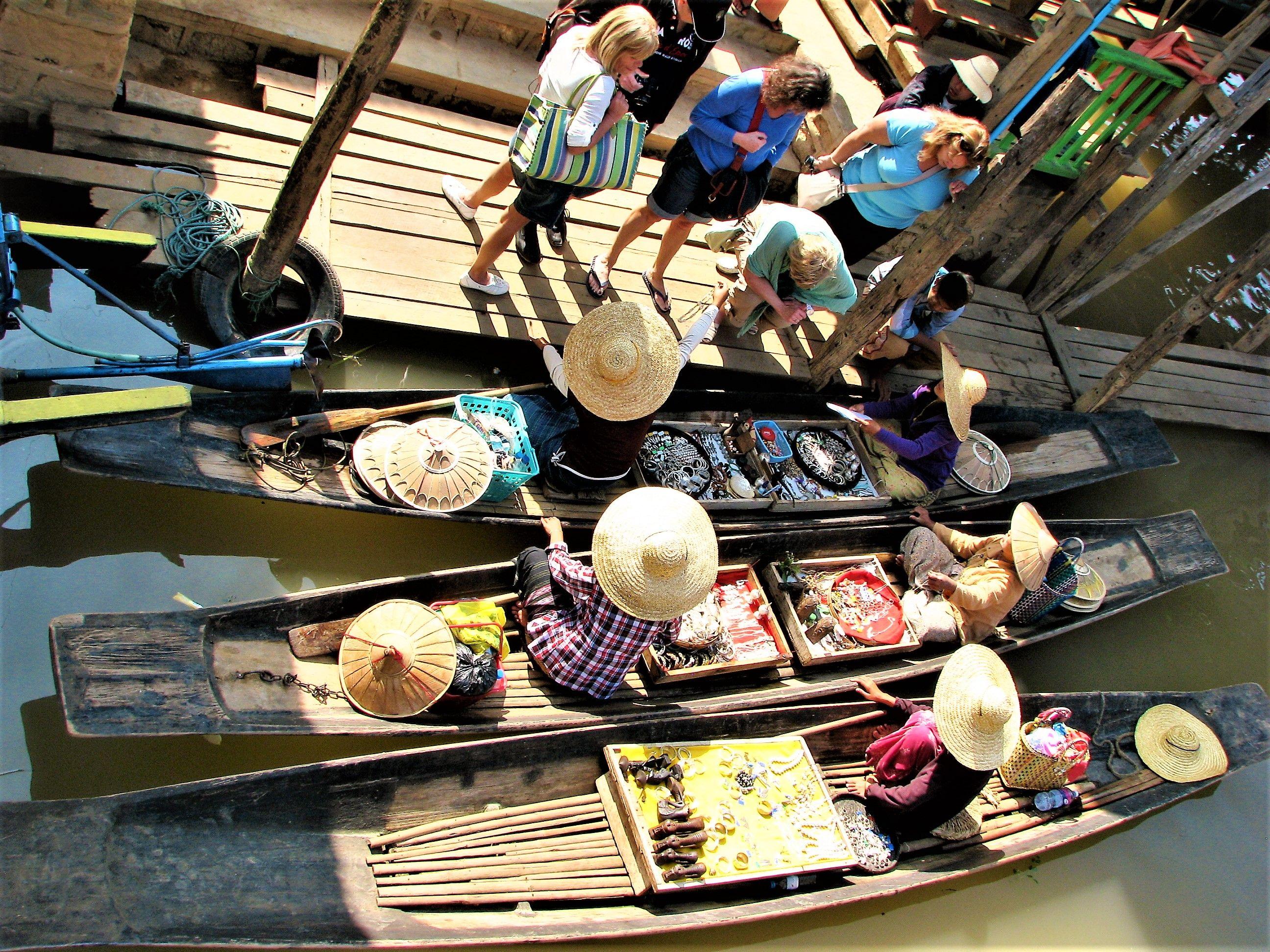 Épinglé par Noel Moulin sur 2014 Myanmar la douce