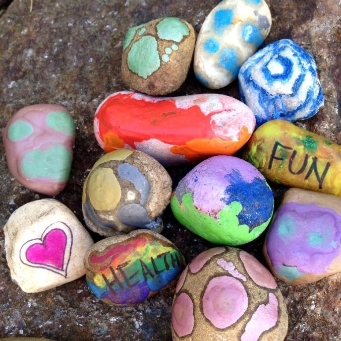 DiY Wishing Stones with Melted Crayon Rocks - A great activity for kids! Make as a gift or for yourself...