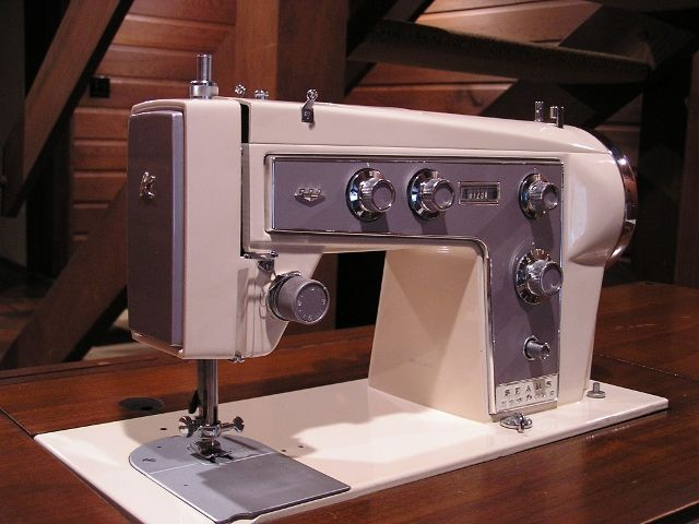 Kenmore Model 40 I Have One Like This And It Runs Beautifully Love Inspiration Kenmore Sewing Machine Vintage