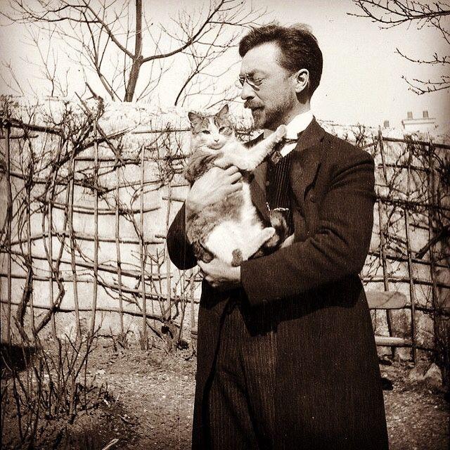 Wassily Kandinsky And His Cat Vaska Dada Bauhaus Cubist Surrealism Wassily Kandinsky Kandinsky Bauhaus