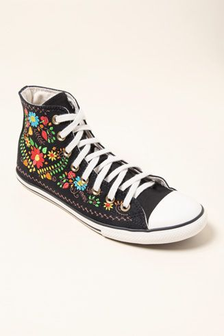 Siesta hélice grande  sanmigueldesigns.com | Embroidery shoes, Embroidered shoes, Diy shoes