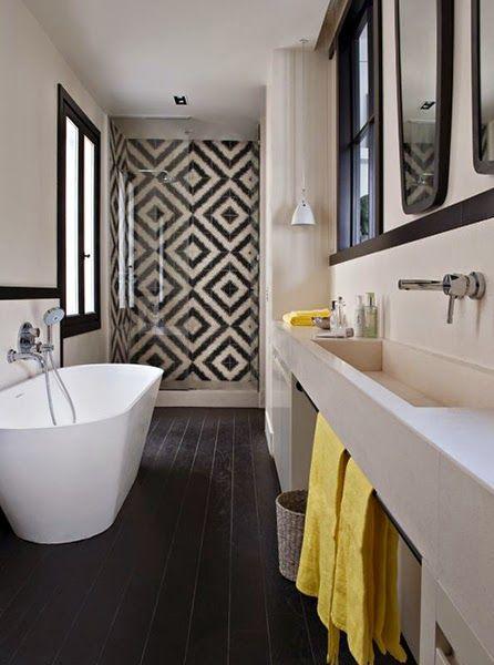 Décoration en noir & blanc | Salles de bain noires, Les parquets et ...