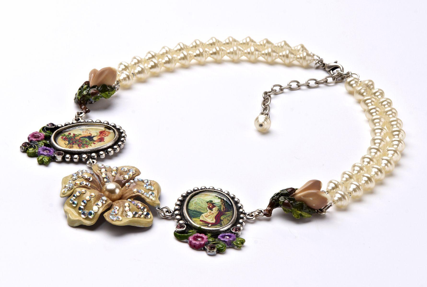 """Entzückendes Collier """"Blume"""" aus der Lola Paltinger Schmuck Design Kollektion im Online Shop www.almresi.de"""