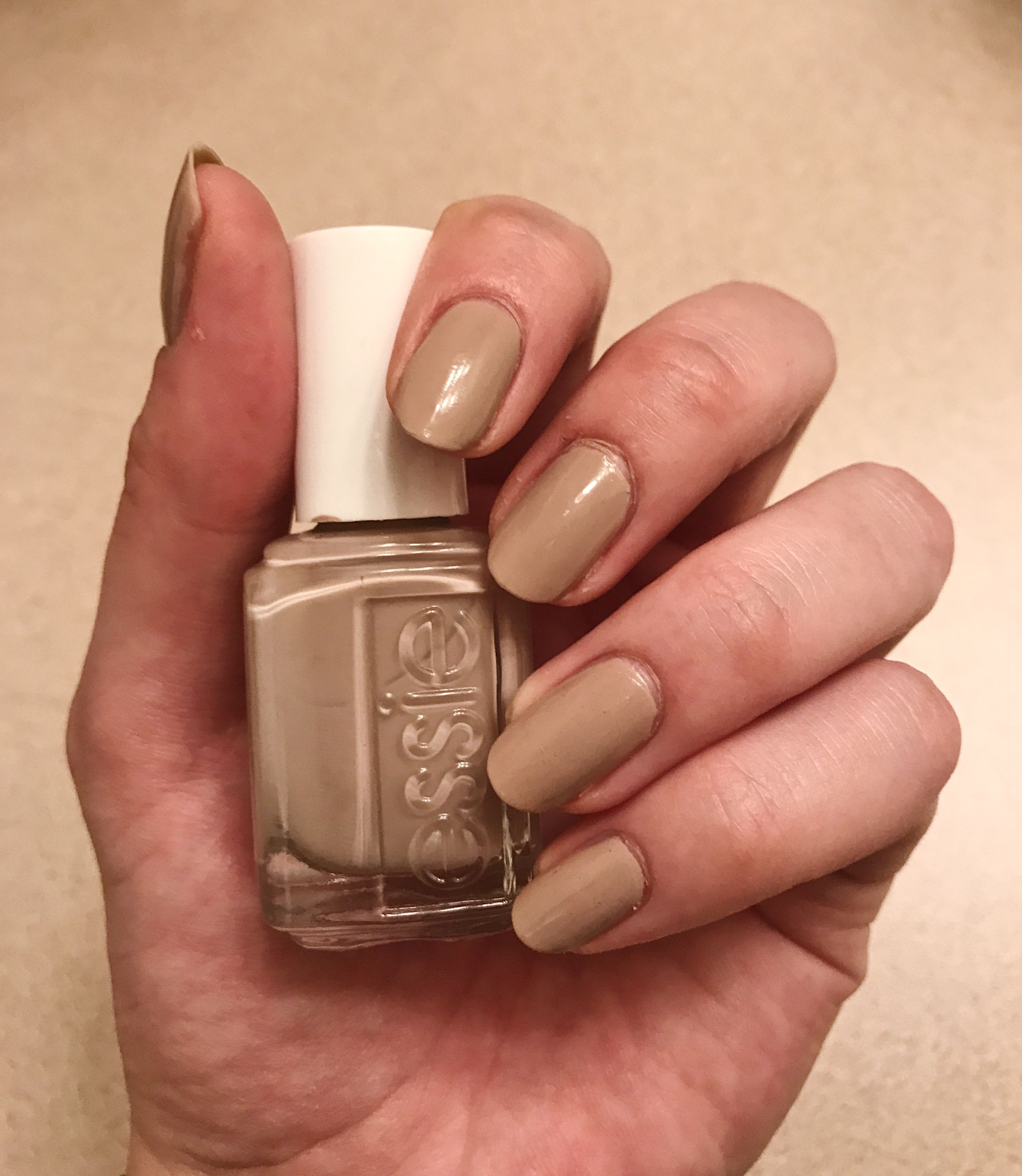 Essie Treat Love & Color | Good Lighting | Fall Nails | Nails ...
