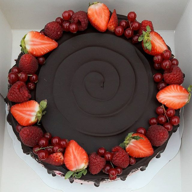 Chocolate Cake Decorated With Red Fresh Berries Chocolate