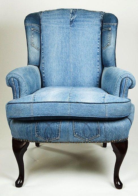Einen Sessel Mit Alten Jeanshosen Beziehen? Auf Die Idee Wäre Ich Nicht  Gekommen. Cooler Used Look. Tolles Upcycling Projekt.