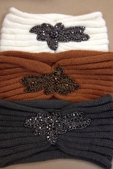 Knit Headband with Rhinestone Applique. I can totally make one like this! =)