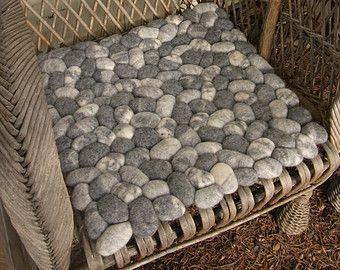 Felt Stone Rug By Martina Schuhmann 2 Tys Izobrazhenij Najdeno V Yandeks Kartinkah Handmade Felt Diy Projects Home Decor