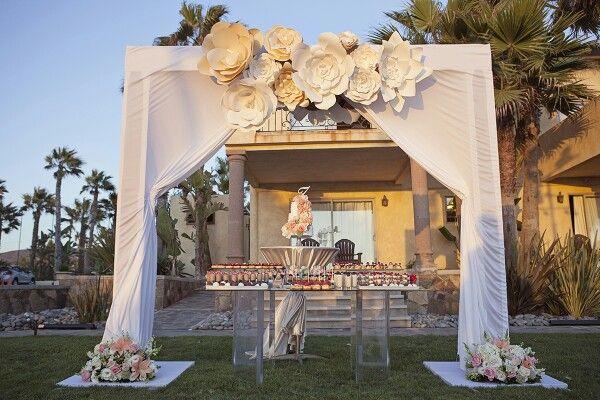 Lovely decor for an outside wedding.