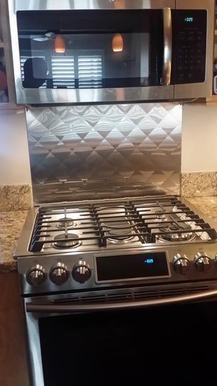 Frigo Design 30 In X 30 In Quilted Stainless Steel Backsplash In