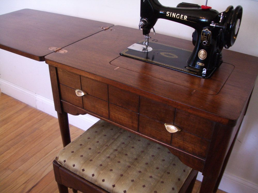 Singer 99K Sewing Machine and Cabinet Set 1955 - Singer 99K Sewing Machine And Cabinet Set 1955 Singers, Sewing