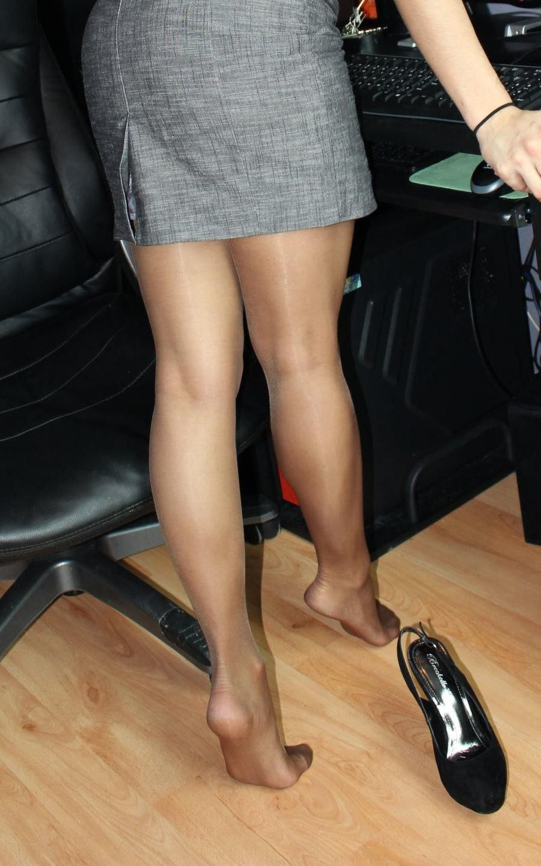 legs Pantyhose makes sweat my